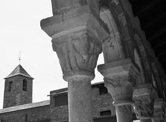 Catedral de Santa Maria de la Seu d'Urgell, Segle XII, Art Romànic. (heraldeixample) Tags: heraldeixample barcelona bcn spain espanya españa spanien catalunya catalonia cataluña catalogne catalogna catalunyaromanica romànic románico romanesque lleida lérida ilerda catedral cathedral urgell urgel laseu tower torre arquitectura architecture architekture pensaernïaeth 架构 arkitektur architettura สถาปัตยกรรม arkitettura ngc albertdelahoz