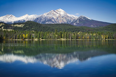 Edith Lake Reflection (Bernie Emmons) Tags: edithlake alberta jaspernationalpark reflection lake mountains snow blue travel explore