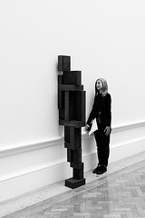Two's Company (Sean Batten) Tags: london england unitedkingdom blackandwhite bw royalacademy sculpture nikon d800 1424 city urban artgallery art candid person