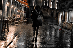 Rue des Sept Agaches, Lille, Nord, France (o.mabelly) Tags: sony a7rii ilce7rm2 france alpha a7rm2 a7 ilce europe format plein ff frame full 7rm2 mir russian lens legacy street lille rue sept agaches nuit night streetphoto people manual focus mir24 35mm f2 mc zenith m42 hautsdefrance centreville city мир24