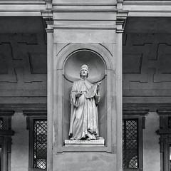 Florence Leon Alberti (ken mccown) Tags: florence firenza italy architecture statute art sculpture galleriedegliuffizi uffizigallery