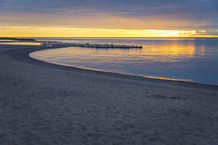 Daybreak (A Great Capture) Tags: landscape agreatcapture agc wwwagreatcapturecom adjm ash2276 ashleylduffus ald mobilejay jamesmitchell toronto on ontario canada canadian photographer northamerica torontoexplore fall autumn automne herbst autunno otoño lake water lakeontario sunrise daybreak dawn woodbinebeach beach sand sun nature