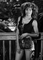 Valentina (01_0057BW) (ronnie.savoie) Tags: woman black girl mujer pretty noir chica africanamerican lovely browneyes guapa hermosa negra muchacha portrait smile model retrato honduras modelo sonrisa roatan sandybay modèle roatán brownskin hondureña ojosnegros pielcanela diaspora bayislands africandiaspora islasdelabahía catracha