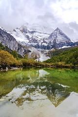仙乃日雪山 (_zdying_) Tags: 雪山 湖泊 倒影 仙乃日 snow mountain lake xiannairi