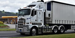 Kenworth (secret squirrel6) Tags: secretsquirrel6truckphotos craigjohnsontruckphoto australiantrucks bigrigs worldtrucks truckphotos kenworth kenworthk200 parkinson refridgerated princeshighway primemover semitrailer 2018 trafalgar cabover bogiedrive shell