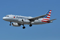 N828AW (Rich Snyder--Jetarazzi Photography) Tags: americanairlines american aal aa airbus a319 a319100 a319132 n828aw landing sanjoseinternationalairport sjc ksjc sanjose california airplane airliner aircraft jet plane jetliner