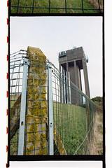 Droitwich Water Tower (DankSpangle) Tags: canoneos7s kodakcolorplus200 canonef24mmf28 2347