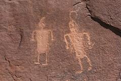 Petroglyphs / Amasa Trail (Ron Wolf) Tags: anthropology archaeology blm fremont kanecreekcanyon nativeamerican anthromorph anthropomorph headdress petroglyph rockart utah
