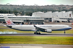 CHINA AIRLINES A340 B-18312 (Adrian.Kissane) Tags: 769 712009 b18312 a340 sydney chinaal