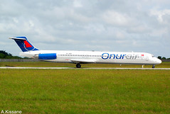 ONUR AIR MD-83 TC-OAT (Adrian.Kissane) Tags: 53466 762009 tcoat md83 dublin dublinairport onurair
