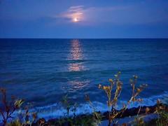 Moonlight (xandriaam) Tags: sea seaview bluesea night moon summernight ro romania romantic nightshot moonlight perfectview wave waves lamer