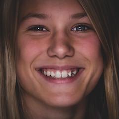DSCF3633 (YouOnFoto) Tags: girl meisje woman vrouw closeup portret portrait fujifilm xt20 smile glimlach eyes ogen stralen dichtbij daglicht