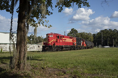 The Last High Hood on Florida's Pinsly Lines (The Industrial Railfan) Tags: elchlok theindustrialrailfan henrydell railway train floridacentralrailroad floridanorthernrailroad floridamidlandrailroad pinslyrailroad shortline gp18 highhood highnose branchline