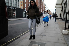 20191017T10-22-07Z (fitzrovialitter) Tags: peterfoster fitzrovialitter city camden westminster streets urban street environment london fitzrovia streetphotography documentary authenticstreet reportage photojournalism editorial daybyday journal diary captureone ricohgriii apsc 183mm