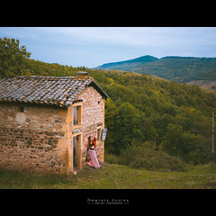Autumn in Beaujolais (France) (dominikfoto) Tags: gfx gfx50 juliette mode model mannequin beaujolais paysage maison cabane fusina fusinadominik chapeau rose jupe robe dress rivolet coqgny