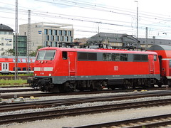 A DB Class 111 electric locomotive departs Munich Hauptbahnhof with a regional train (Steve Hobson) Tags: munich hauptbahnhof db 111