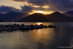 Ogni cosa è al suo posto.. (giobertaskin) Tags: lago lagod'iseo pisogne sole monte porto colore colori canon