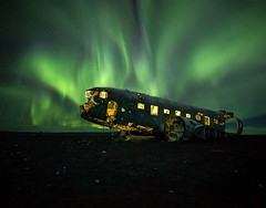 The Wreck (antcarfercar) Tags: sólheimasandur plane wreck iceland aurora boreal light green night