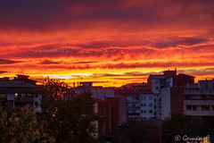 Quan crema el cel (gercade) Tags: sunset colours colors atardecer girona sky clouds nubes cielo cel red orange burning
