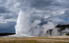 marvelous natural spectacle (kleiner_eisbaer_75) Tags: yellowstone nationalpark wyoming usa geysir old faithful natur nature wasser fontäne heise quelle hot springs eruption