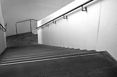 Stairs (pjpink) Tags: ica vcu art instituteofcontemporaryart institute museum rva richmond virginia may 2019 spring pjpink 2catswithcameras blackandwhite bw monochrome uncolored colorless