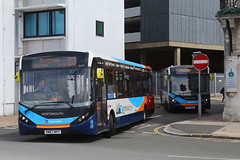 SN67 WVY, The Hard, Portsmouth, May 6th 2019 (Southsea_Matt) Tags: sn67wvy 26154 route23 thehard travelinterchange portsmouthharbour portsmouth hampshire england unitedkingdom canon 80d sigma 1850mm may 2019 spring bus omnibus vehicle passengertravel publictransport alexanderdennis adl enviro200 e200 mmc stagecoachhampshire southdown