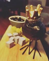 Midnight Snack (Elisabeth de Ru) Tags: bird crown midnightsnack lavendercheese grapes olives