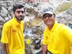چائے پانی اور آوارگی۔۔ قدرت کے حسن میں آوارگی کے  لمحات انسان ذندگی بھر نہیں بھول پاتا اور نیچر میں بیٹھ کر چائے کا مزہ کسی فائیو سٹار ہوٹل سے زیادہ معلوم ہوتا ہے  احسان اعوان  #SVT #Waterfalls #Nature #Forest #Travel  #Soon_Valley #Khushab #Culture #Phot (Soon Valley Tours) Tags: beauty art wild trekking soonvalley tample awesome world svt mountains tourism archaeology pakistan waterfalls peace camping culture khushab nature trip cycling adventure tours jabba travelblogger hiking photography travel forest