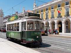 Lisbon Tram Tour (Carsten Weigel) Tags: lisboa lisbon lissabon tram strassenbahn portugal sun sunshine sonnenschein city tour travel reise carstenweigel panasonicgx80 panasonic20mmf17