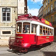 Hills Tramcar Tour (Carsten Weigel) Tags: lisboa lisbon lissabon tram strassenbahn portugal tour travel rundfahrten carstenweigel panasonicg9 panasonic14140mmf3556