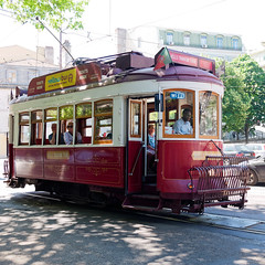 Hills Tramcar Tour (Carsten Weigel) Tags: lisboa lisbon lissabon tram strassenbahn portugal tour travel rundfahrten carstenweigel panasonicgx80 panasonic20mmf17