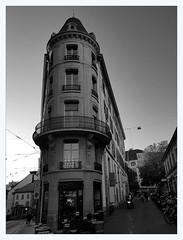 Le Pointu (overthemoon) Tags: düsseldorfschool bw switzerland suisse schweiz svizzera romandie vaud lausanne architecture rueneuveruedesdeuxmarchés lepointu utata:project=dusseldorf