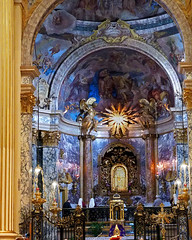 Madonna di San Luca (█ Slices of Light █▀ ▀ ▀) Tags: olympus em1 church painting high luca san basilica madonna luke icon holy sanctuary evangelist catholic interior christian altar emilia bologna priest mass 教堂 romagna 教會 主教座堂 波隆那 博洛尼亚 italy italia 意大利