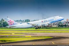 [CGK.2015] #China.Airlines #CI #CAL #Boeing #B747 #Cargo #B-18701 #awp (CHRISTELER / AeroWorldpictures Team) Tags: chinaairlines ci cal airliner asian taiwan plane aircraft airplane avion cargo freight boeing b747f 747409f b744f msn307591249 ge cf6 b18701 takeoff planespotting jakarta cgk wiii indonesia planespotter christeler avgeek aviation daily news photography aeroworldpictures team awp nikon d300s nef raw nikkor 70300vr lightroom 2015 chr