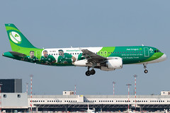 Aer Lingus Airbus A320-200 EI-DEO | Milano - Malpensa (MXP-LIMC) | 21st September 2019 I (Brando Magnani) Tags: travel ireland irish green plane airplane outside airport colours spirit rugby aircraft team milano landing malpensa people players