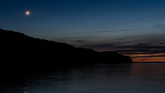 Last light (NiBe60) Tags: rot strand deutschland mond sand meer wasser europa sonnenuntergang wolken dämmerung rügen ostsee bernstein vorpommern sellin küste mecklenburg norddeutschland blaue seebrücke ostseebad sichel granitz stunde kreideküste hochufer blue sunset red sea moon beach water clouds germany coast amber pier chalk twilight europe baltic crescent hour highrise western northern pomerania