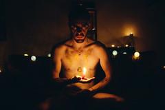 Autoportrait à la bougie #01 (Sharkoux_) Tags: portrait autoportrait bougie lumière noir obscurité paillettes nu feu