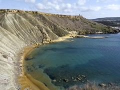 Clay Cliffs, Malta (JLL85) Tags: playa beach acantilado cliff malta mar sea azul blue paisaje landscape montaña mountain bonito beatifull awesome amazing increible vista view scenery travel trip viaje world mundo viajar mediterraneo bahia bay arena sand
