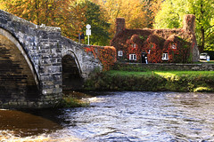 Llanwst (jeff.dugmore) Tags: wales uk europe northwales conwy conwyvalley llanwst afonconwy cymru britain countryside rural welsh bridge architecture arch pontfawr stone cottage afon river water riverbank landscape village tearoom outdoors outside tranquil serene autumn fall building scenic canon nisi trees 15thcenturycottage
