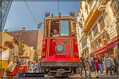 ISTANBUL (01dgn) Tags: istanbul taksimtünel beyoğlu istiklalcaddesi oldcity altstadt city streetphotography travel turkey türkei türkiye europa europe avrupa wideangle weitwinkel colors canoneos77d