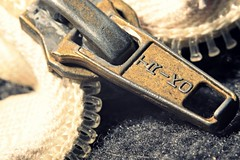 Old zipper (JaaniicB) Tags: canon eos 77d 100mm f28l macro extension tube tubes zipper old vintage