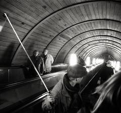 (.Laedin) Tags: 24x24 2424mm 135 35mm film analog un74 400ei800 400800 monochrome bw black white moscow street photography carl zeiss jena tessar taxona tenax