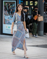 (seua_yai) Tags: asia seoul southkorea seoulfashionweek2019 street people woman asian women shoes candid streetportrait streetfashion asianwoman streetcandid koreanwoman koreanwomen seoulfashionweek koreanstreetfashion seuayai koreaseoul2019