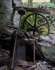Remains of waterwheel and winding mechanism, Moorswater Limekiln (Rogpow) Tags: cornwall industrial limekilns liskeard moorswater moorswaterlimekilns limekiln industrialhistory industrialarchaeology industry abandoned derelict decay disused dilapidated ruin fujixpro2 machinery