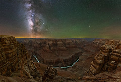 Horseshoe Bend of the Little Colorado River (Wayne Pinkston) Tags: littlecoloradoriver grandcanyon eastrim coloradoriver river canyon night sky nightsky nightphotography nightlandscape waynepinkston waynepinkstonphotocom lightcrafter lightcraftercom stars star starrynight starrysky milkyway galaxy cosmos astrophotography landscapeastrophotography widefieldastrophotography landscape wideangle