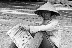 fb-20080324-D300-2524 (Erik Christensen242) Tags: vietnam saigon hcmc street vendor streetvendorsellingbaskets