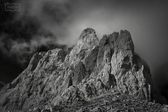La proa / The bow, Tajahierro (Jose Antonio. 62) Tags: spain españa picosdeeuropa tajahierro mountains montañas clouds nubes rocas rocks beautiful blancoynegro bw blackandwhite