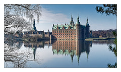 Frederiksborg Castle (Jean-Louis DUMAS) Tags: lake lac eau arbre nature landscape paysage castle château reflets reflection travel traveler trip voyage voyageur danemark sony traveller voyages landscapes dreams lanscape arbres tree