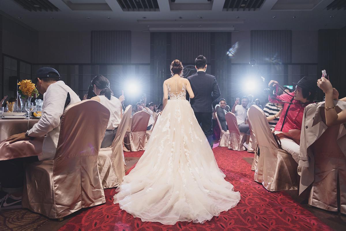 婚攝,婚攝作品,婚禮攝影,婚禮紀錄,台中心之芳庭,戶外證婚