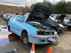 (Sam Tait) Tags: tdi turbo diesel vw volkswagen polo 2001 blue estate vario retro rare car